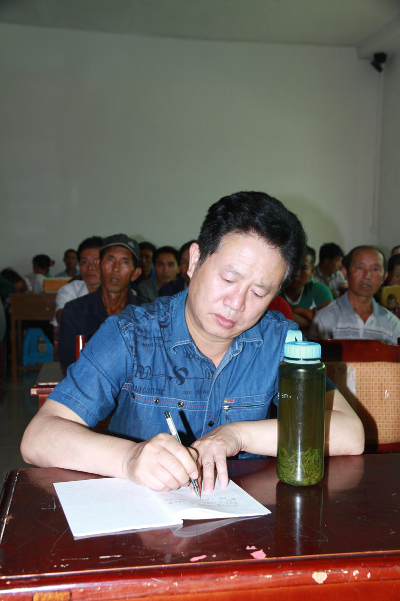 我院派出教师参加镇宁县马厂镇庆祝建党92周年纪念活动